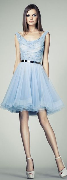 We can also try making the skirt extra full instead of using pleats :) I like how this one looks... maybe we try that for the first sample and see how it looks... :)