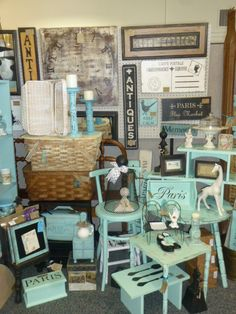 Great use of color in a vintage booth to create a strong statment and draw over people who love turquoise.
