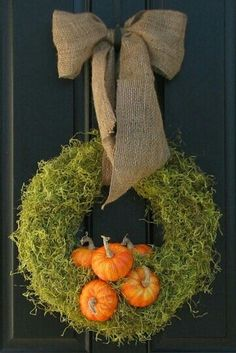 This wreath is so versatile!! Halloween and Thanksgiving, then remove the pumpkins and add Winter decor for Christmas :)