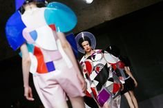 Fantastic plastic at Junya Wantanabe S/S15. See Erin Baiano's backstage photo diary #PFW http://nyti.ms/1uuY0kn  pic.twitter.com/msC5wKWZ2y