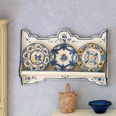 Polychromed shelf - Artesanos Felipe Royo. Miniaturas para Casas de Muñecas
