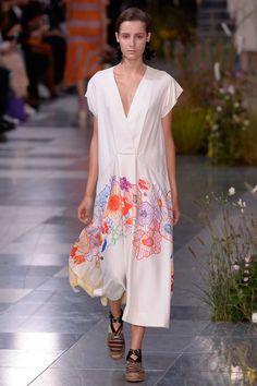 Paul Smith Spring 2017 Ready-to-Wear Fashion Show