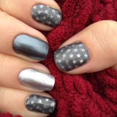 This gray satin finish wrap featured silver stars that are sure to leave everyone you meet starstruck! ☆ Pair the Fame nail wrap with our Paparazzi and Gunmetal nail lacquers! www.merivalehealthandbeauty.jamberry.com/nz #merivalehealthandbeauty #merivale #christchurch #nails #jamberry #jamberrynails #jamberrynailwraps #jamberryaddict #nail #jamberrywraps #nailsart #jamberryusa #nailfashion #nailpolish #nailart #jamberrylove #jamberrynz #jamberryau #jamberryuk #naildesign #nailwraps #manicure…