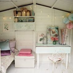 Blindsiding Tips: Shabby Chic Salon Awesome shabby chic modern patterns.Shabby Chic Arredamento shabby chic fabric for sale. Shabby Chic Living Room, Chic Furniture, Summer House Interiors, Chic Kitchen, Shed Decor, Shabby Chic Interiors, Chic Bedroom, Shabby Chic Room, Chic Home Decor