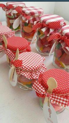 Diy And Crafts, Crafts For Kids, Paper Crafts, Plastik Recycling, Picnic Birthday, Jar Design, Christmas Crafts For Gifts, Paper Gift Box, Jar Gifts