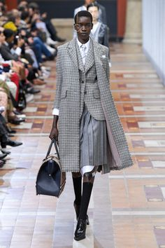 Thom Browne Autumn/Winter 2019 Ready-To-Wear Collection - Vogue Vogue Fashion, Fashion Week, Look Fashion, Runway Fashion, Fashion Show, Fashion Outfits, Womens Fashion, Fashion Trends, Thom Browne