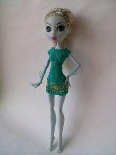 Много кофточек, платье и одни шортики (куклы Monster High) - Вязание - Страна Мам