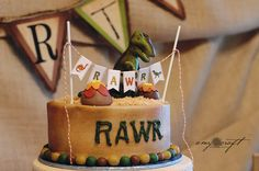 Rustic Dinosaur Birthday Party... I will force our kids into loving Dinosaurs if I have to.
