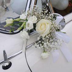 Bride's Cars : Picture Description Immagine Floral Wedding, Wedding Bouquets, Wedding Flowers, Wedding Getaway Car, Wedding Car Decorations, Bridal Car, Wedding Planer, Wedding Transportation, Wedding Trends
