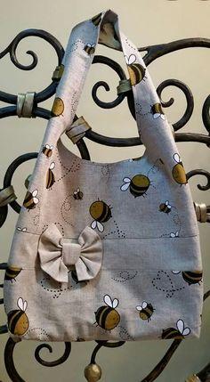 Bags, Fashion, Handbags, Moda, Fashion Styles, Totes, Lv Bags, Hand Bags, Fashion Illustrations