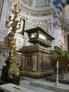 Famous Historical Figures, Pisa Italy, Catacombs, Effigy, Macabre, Monuments, Home Buying, Bella, Big Ben