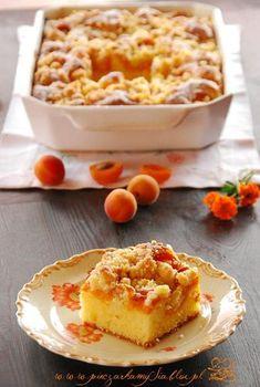 Ciasto jogurtowe z morelami i migdałową kruszonką | Słodkie Przepisy Kulinarne