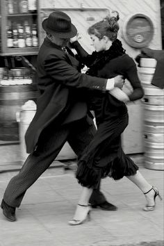 Note to self: Tomar clases de tango. Buenos Aires 2008, tango, by adriana