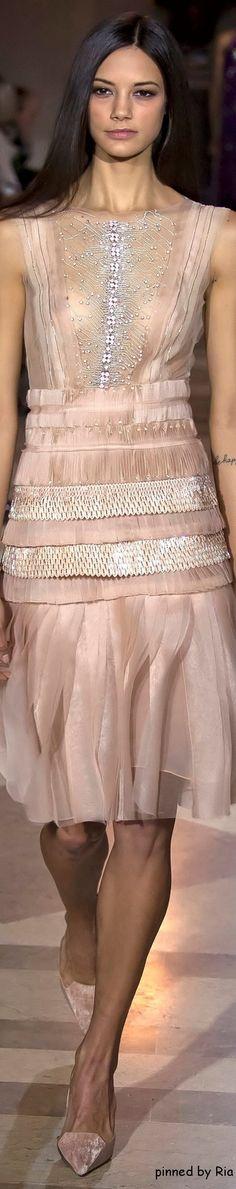 Carolina Herrera Fall 2016 RTW l Ria women fashion outfit clothing style apparel @roressclothes closet ideas