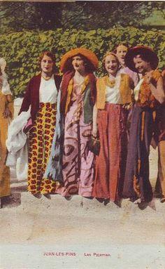 """Juan Les Pins My Bohemian History Vintage postcard, """"Les Pyjamas"""" Pins Vintage, Vintage Mode, Vintage Ladies, Vintage Purses, Vintage Hats, Vintage Postcards, Vintage Style, 1930s Fashion, Retro Fashion"""