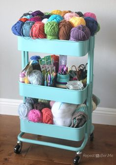 SuzNote: I've had my eye on this cart from IKEA for some time! Here's an idea to actually need it! Portable organization with the Ikea RASKOG Crochet Cart! Check out how Repeat Crafter Me keeps her projects neat and tidy! Raskog Ikea, Craft Storage Cart, Yarn Storage, Storage Ideas, Storage Trolley, Storage Solutions, Knitting Storage, Ikea Storage, Ikea Cart