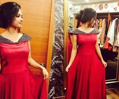 Long Gown Dress, Frock Dress, Long Frock, Long Dress Design, Dress Neck Designs, Kerala Engagement Dress, Gown Party Wear, Frocks And Gowns, Frock For Women