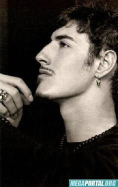 Eric Balfour - been in love with him since 'The O.C.'