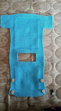 This Pin was discovered by NurI'd like to buy the pattern This post was discovered by rutHand knit baby vest /cardigan / with Teddy. Baby Knitting Patterns, Knitting For Kids, Crochet For Kids, Baby Patterns, Diy Crafts Knitting, Loom Knitting, Free Knitting, Knitting Projects, Knit Baby Dress