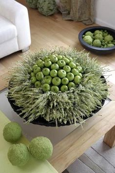 Modern Pagan trends is part of Thanksgiving flowers - Thanksgiving Flowers, Thanksgiving Crafts, Thanksgiving Decorations, Christmas Decorations, Fruits Decoration, Apple Decorations, Decoration Table, Design Floral, Deco Floral