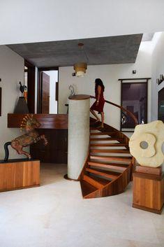 Vaishali & Rasesh's Contemporary, Peaceful Home in India — House Tour Small House Interior Design, House Design, Indien Design, India House, Indian Home Design, Balustrades, Peaceful Home, Long House, Indian Interiors