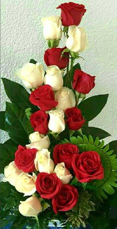 Red Roses with white Roses Beautiful Rose Flowers, Beautiful Flowers Wallpapers, Exotic Flowers, Amazing Flowers, Pretty Flowers, Rose Flower Arrangements, Artificial Flower Arrangements, Church Flowers, Funeral Flowers