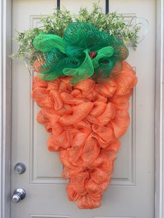 Carrot Wreath by HoustonCustomWreaths Grinch Christmas, Christmas Love, Easter Crafts, Holiday Crafts, Easter Wreaths, Flower Wreaths, Outdoor Wreaths, Green Wreath, Deco Mesh Wreaths