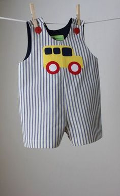 Boy's School Bus Applique Romper by roomtoromp on Etsy - Kindermode Toddler Outfits, Baby Boy Outfits, Kids Outfits, Baby Boy Dress, Little Girl Dresses, Baby Clothes Patterns, Clothing Patterns, Baby Sewing Projects, Baby Wearing