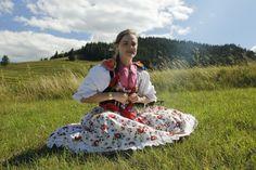 Slovenské ľudové kroje Picnic Blanket, Outdoor Blanket, Folk Costume, Costumes For Women, Traditional, Image, Fashion, Moda, Fashion Styles