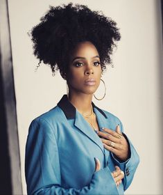 Kelly Rowland - May 18 2019 at Kelly Rowland Makeup, Kelly Rowland Style, Kelly Rowland Height, Great Hairstyles, Afro Hairstyles, Summer Hairstyles, Black Hair Types, Locks, Curly Hair Styles