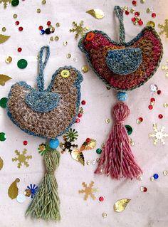 Crocheting Conversations: Look at the birdie.....