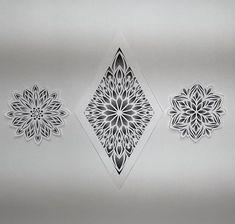 Tattoo leg mandala patterns 37 ideas for 2019 Dotwork Tattoo Mandala, Geometric Mandala Tattoo, Geometry Tattoo, Mandala Tattoo Design, Mandala Dots, Mandala Pattern, Tattoo Designs, Neue Tattoos, Bild Tattoos