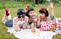 http://ko-te.com/en/wp-content/uploads/2012/06/Retro_Picnic_by_kalinaa-600x382.jpg