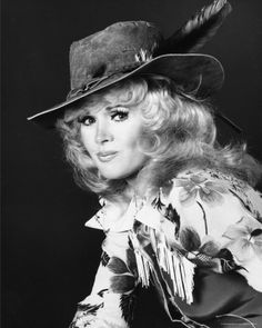Stella Stevens, Connie Stevens, Beauty Queens, Hottest Models, Country Girls, Retro Fashion, Cowboy Hats, Hollywood, Singer