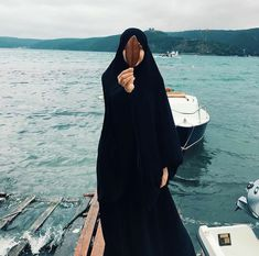 Niqab Fashion, Modest Fashion Hijab, Hijab Niqab, Muslim Hijab, Mode Abaya, Mode Hijab, Beautiful Muslim Women, Beautiful Hijab, Hijabi Girl