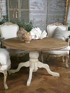 Shabby chic dining room ideas décor colors furniture and accents that characterize a Shabby Chic design along with a handful of pictorial examples - March 03 2019 at Shabby Chic Dining Room, French Country Dining Room, Dining Room Table Decor, Chic Living Room, Shabby Chic Furniture, Country Living, Room Decor, Country Decor, Country French