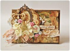 Kartka w stylu vintage, z lekką nutką słodyczy w postaci pastelowych kwiatków, mocno tuszowana Distressem, na primowych papierkach :) Tak...