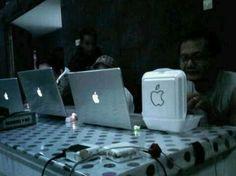 Apple fan BoxLunch