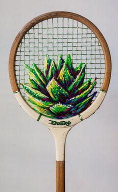 EL MUNDO DEL RECICLAJE: Danielle Clough o como convertir en arte una vieja raqueta de tenis