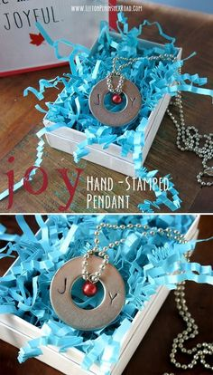 Hand-stamped washer pendant tutorial for the holidays. This easy jewelry craft makes a great Christmas gift!