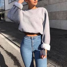 cropped sweatshirt and jean pants comfy crop top pullover and jeans - Outfits Teen Fashion Outfits, Mode Outfits, Retro Outfits, Fashion Pants, 90s Fashion, 6th Form Outfits, Fashion Quiz, Tumblr Outfits, Dope Fashion