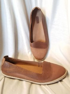 Olukai womens 8.5 M Lino flats loafers fashion sneakers brown leather round toe #OluKai #Loafers