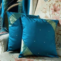 Pair Turquoise Sari Cushion Covers / Saree Pillow covers- Made to measure----- for the guest bedroom Turquoise Throw Pillows, Gold Pillows, Diy Pillows, Pillow Ideas, Boho Cushions, Sewing Pillows, Diy Pillow Covers, Throw Pillow Cases, Cushion Covers