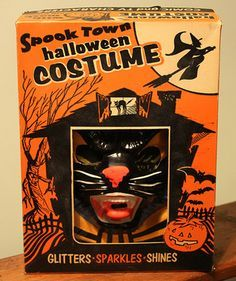 Lol my grandma tells me to go get one of these box costumes. Boxing Halloween Costume, Childrens Halloween Costumes, Retro Halloween, Halloween Masks, Holidays Halloween, Happy Halloween, Halloween Decorations, Halloween Stuff, Ghost Costumes