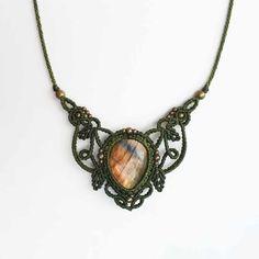 Handmade macrame jewelry made with passion and love :) von SilkesMacrame Macrame Necklace, Macrame Jewelry, Jewelry Necklaces, Pendant Necklace, Micro Macramé, Gota, Labradorite, Jewerly, Knit Crochet