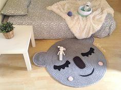 Image of Alfombra infantil conejito y koala*Children rug rabbit and koala Crochet World, Crochet Home, Diy Crochet, Crochet Baby, Crochet Rugs, Crochet Blankets, Express Gifts, Animal Rug, Knit Rug