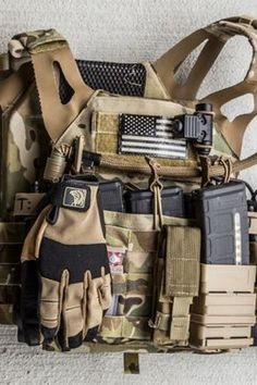 The FDT-Alpha allows unfettered access to all your firearms controls and manipulations, without the overwhelming bulk of unnecessary padding and layers. Police Tactical Gear, Tactical Gloves, Airsoft Gear, Tactical Rifles, Tactical Vest, Armas Airsoft, Special Forces Gear, Battle Belt, Tac Gear