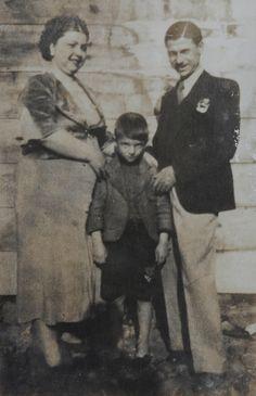 Zeki müren annesi hayriye hanım ve babası kaya bey