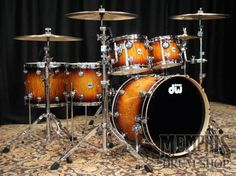 DW Collector's Series Exotic Quilted Maple Drum Set 22/10/12/14/16/14 - Amber Tobacco Burst