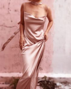 Explore Alashanghai silk: Custom clothing for the modern women. We're innovating the way you dress. Shop dresses, lingeries & all kinds of silk products. Pink Satin Dress, Satin Dresses, Flapper Dresses, Pink Formal Dresses, Prom Dresses, Black And Silver Dress, Silk Chemise, Pink Outfits, Retro Outfits